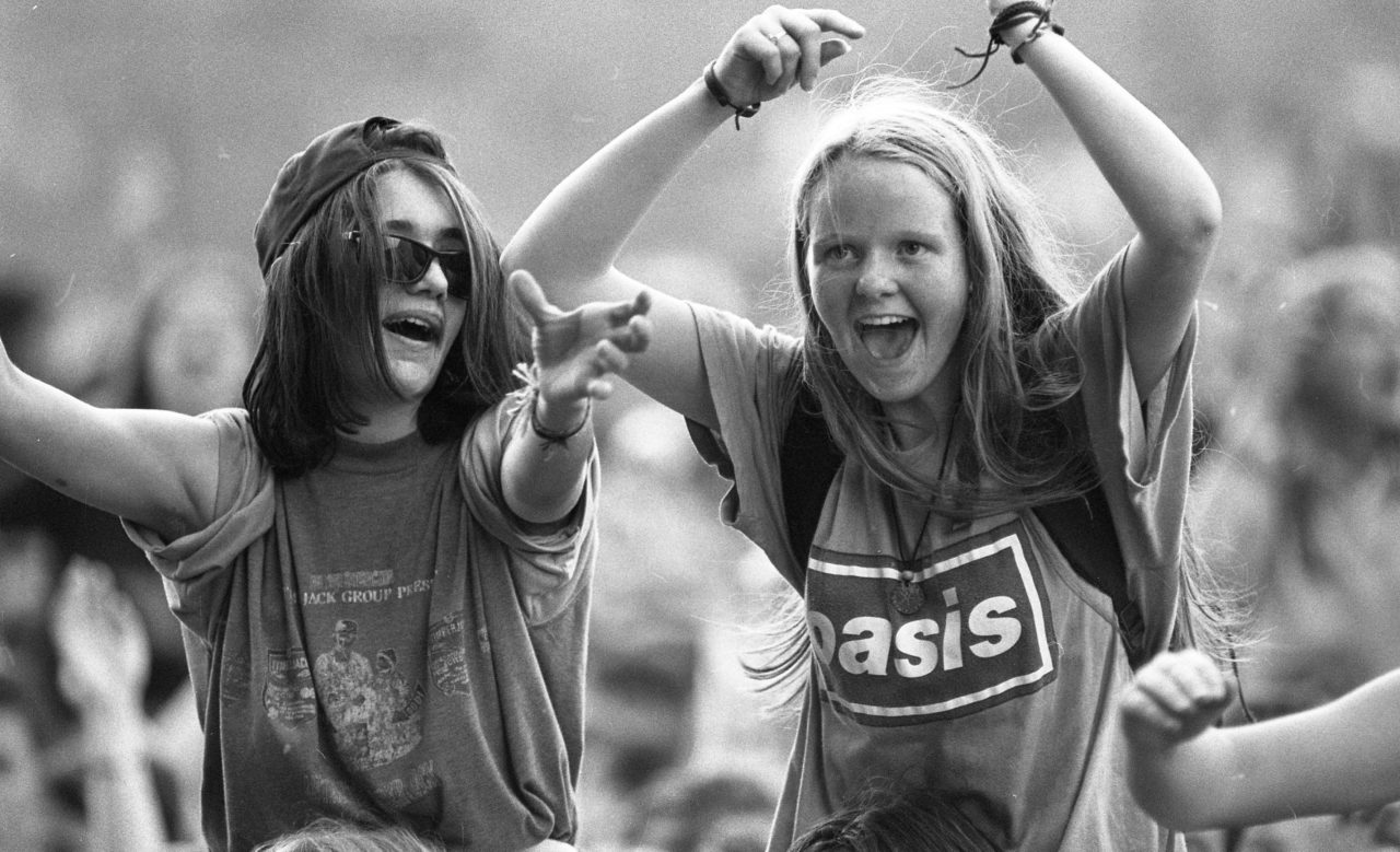 Fans of Oasis